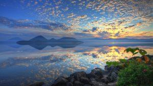 Sunrise Beautiful Lake Toya Hokkaido Japan Clouds Reflections Mountains Shore Background Wallpaper