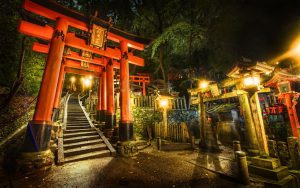 torii-gate-shrine-japan-2560x1600